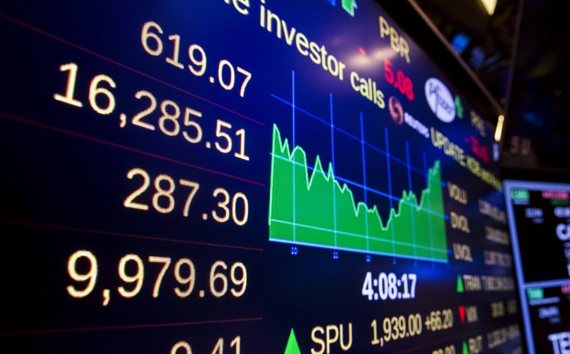 企業が内部留保として貯める金を巻き上げる方法は株しかない