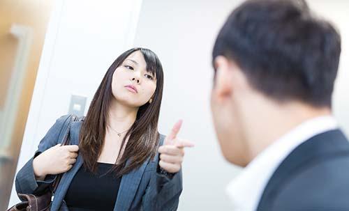 仕事で周りがバカだと感じたらその職場から転職するべきと断言する!